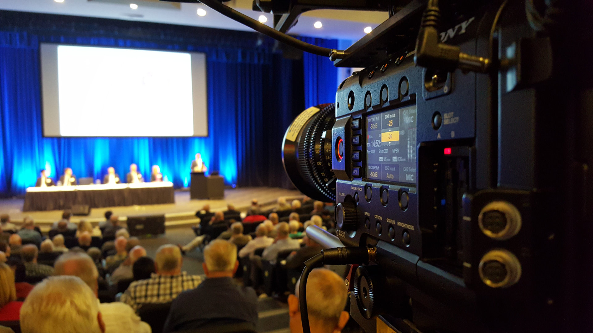 Sydney freelance cameraman DP working shooting video conference